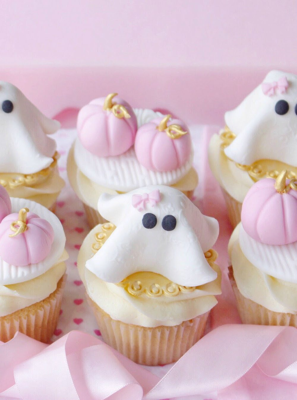 Halloween Cupcake Tutorial | Pink Pumpkins & Girly Ghosts
