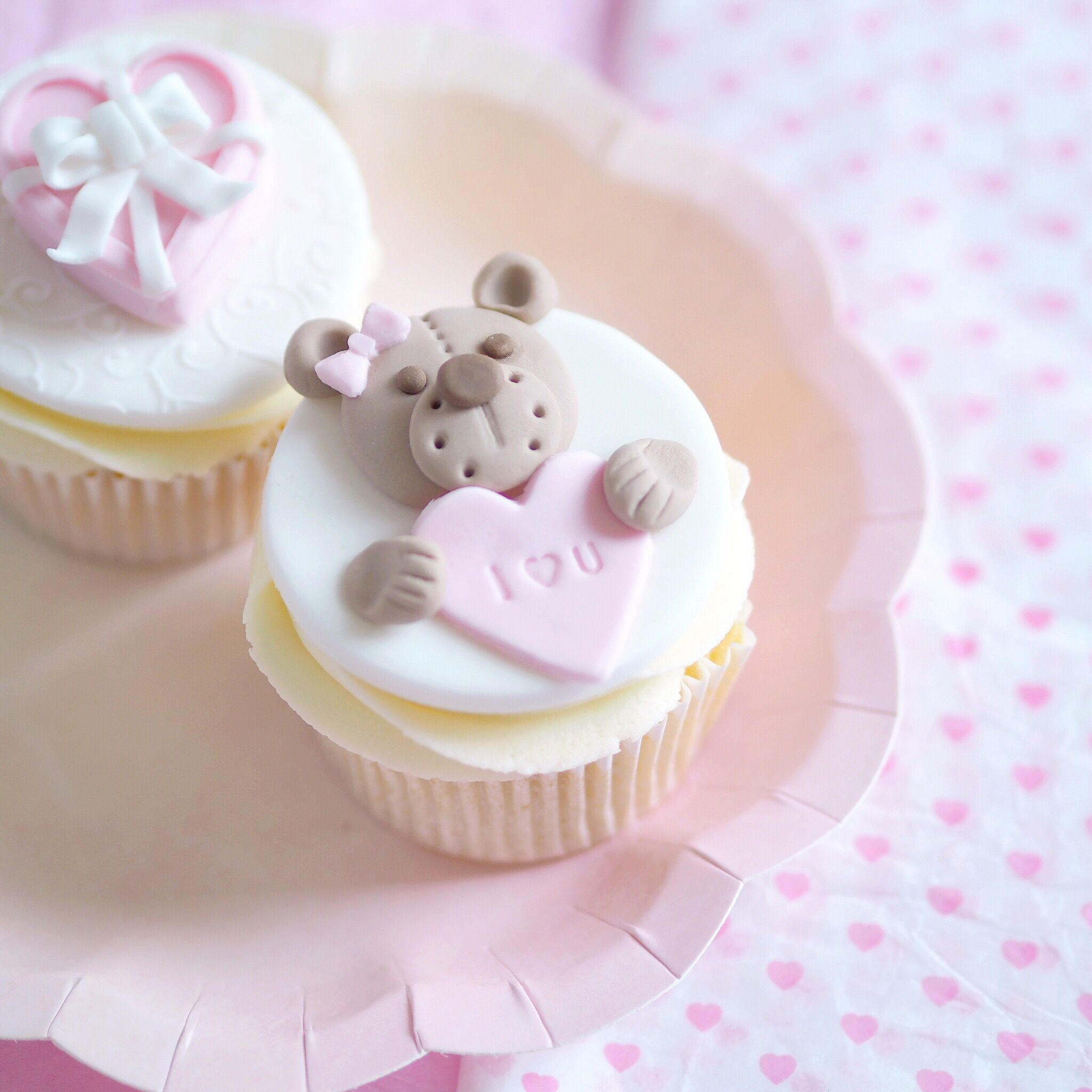 Valentine's Cupcakes Tutorial | Teddy Bears & Mini Chocolate Boxes
