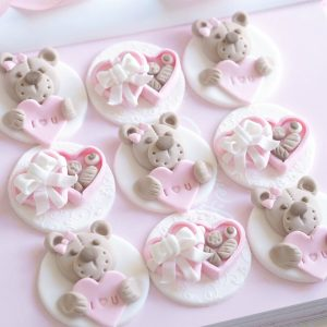 Valentine's Cupcake Tutorial: Teddy Bears & Mini Chocolate Boxes
