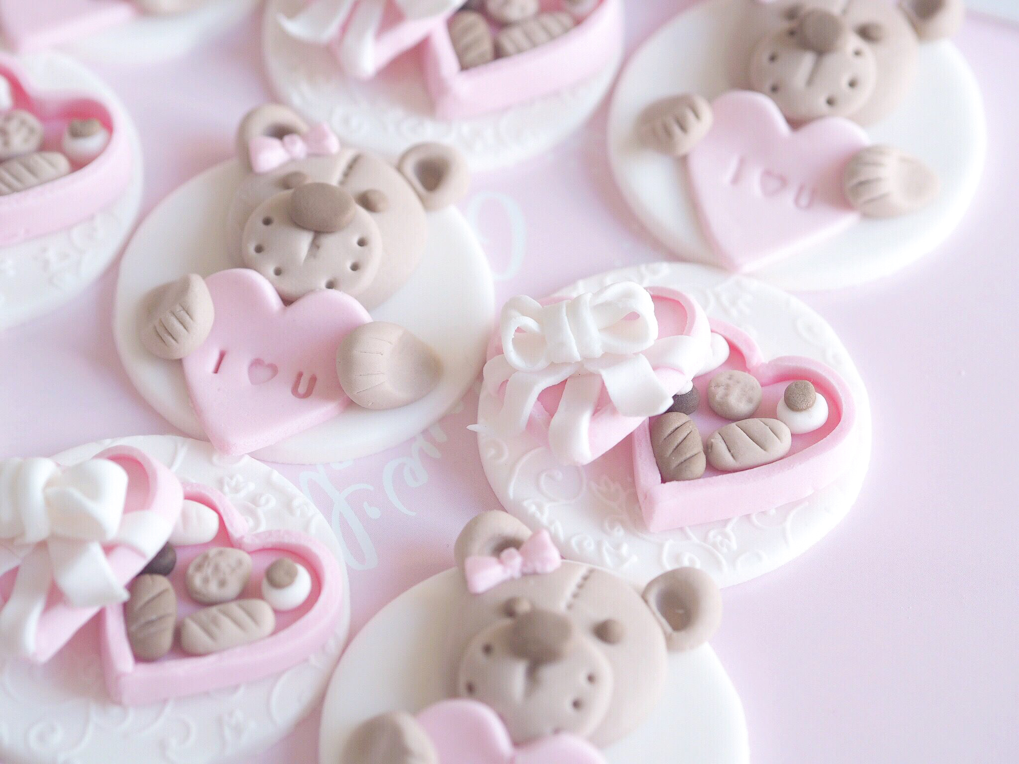 Valentine's Cupcake Tutorial | Teddy Bears & Mini Chocolate Boxes