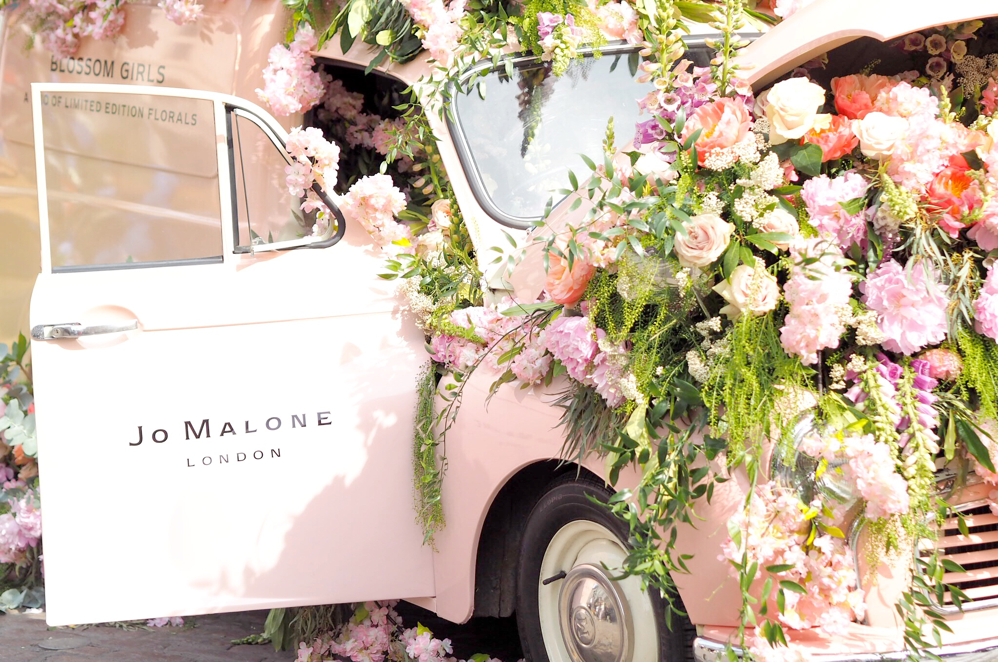 Life Lately: London In Bloom, Birthday Wishes & Cotton Candy Ice Cream Dreams
