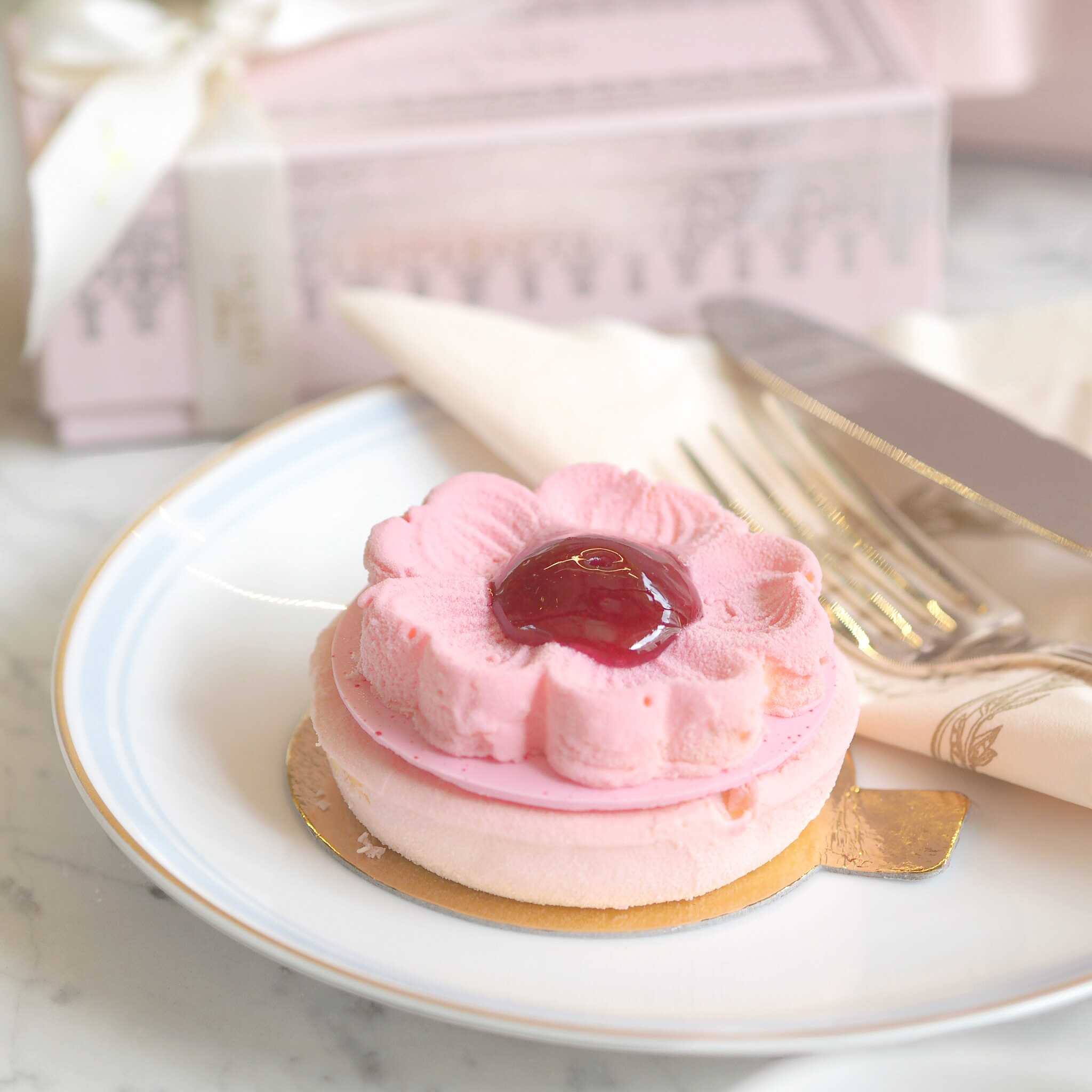An Afternoon In Mayfair: Opulent Pink Treats In A Ladurée Dreamland   Love Catherine