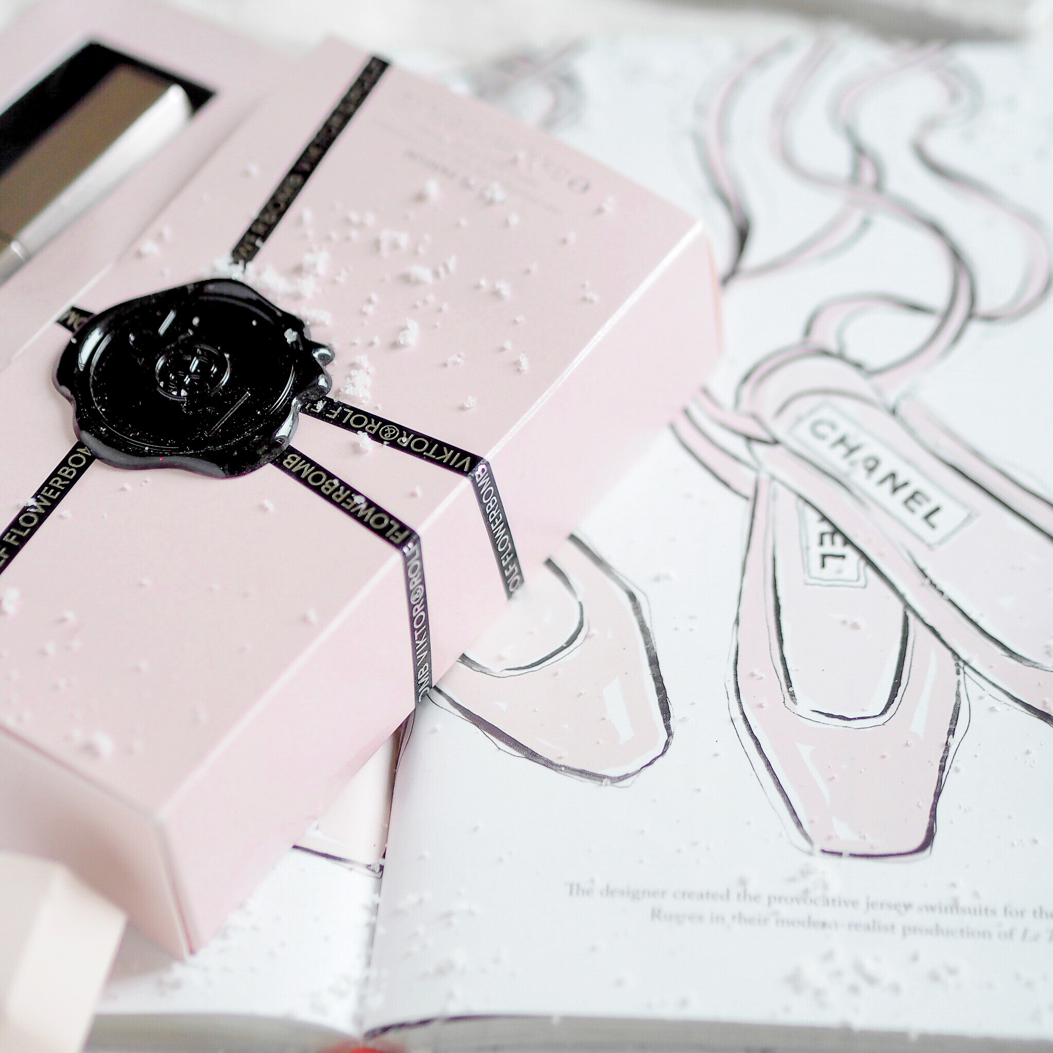 Seasons Treatings: Perfectly Pretty Christmas Gift Ideas For Her, Viktor & Rolf Flowerbomb, Megan Hess
