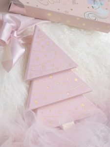 Pink Christmas Dreams: Too Faced Under The Christmas Tree Gift Set