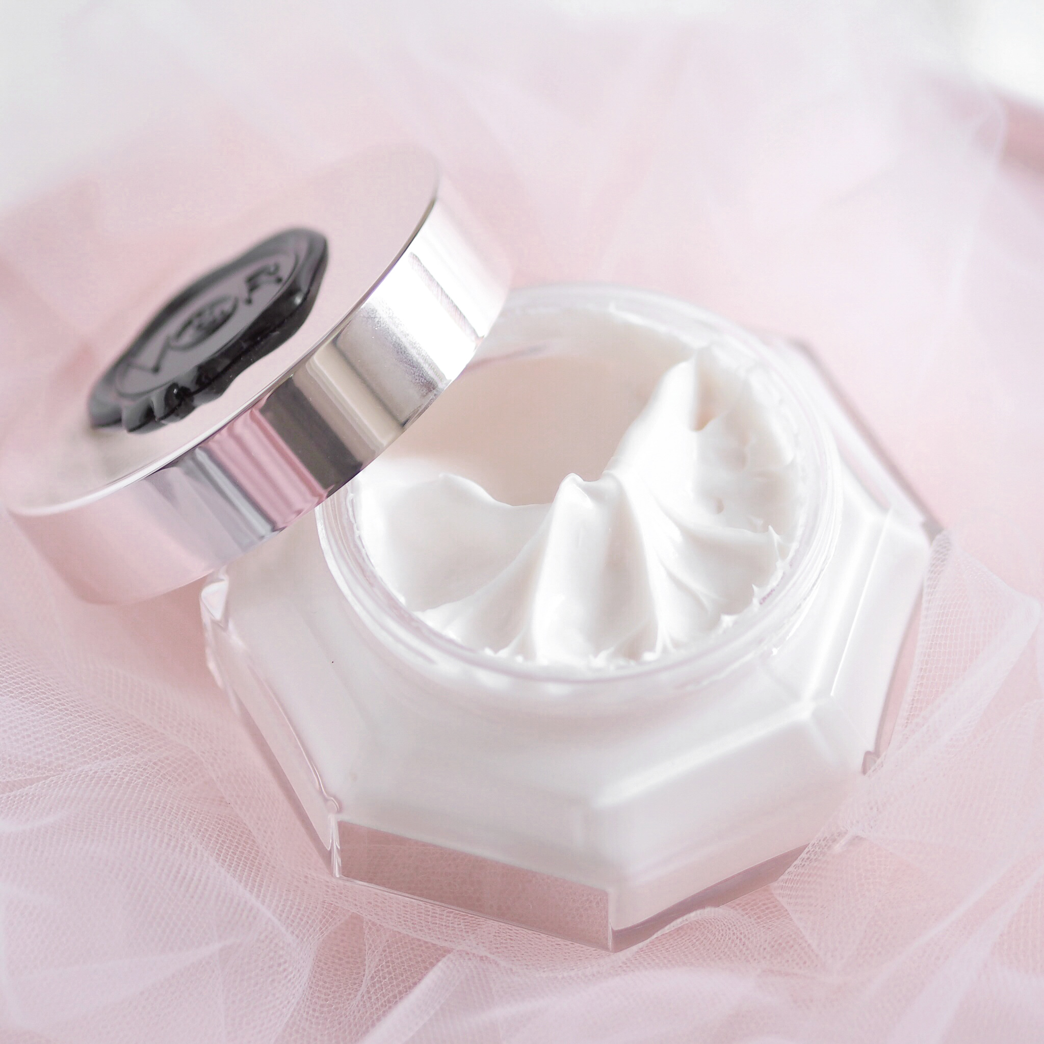 Viktor & Rolf Flowerbomb Body Cream, The Lovely Things I Received For Christmas | Love Catherine