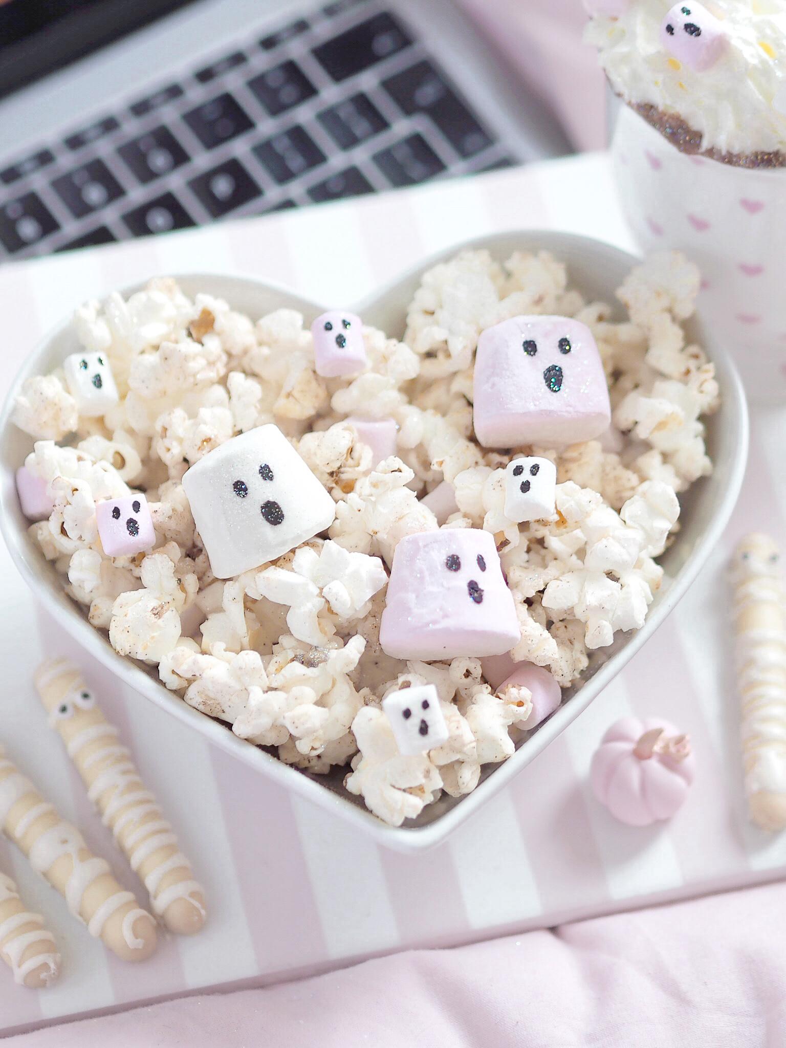 A Girly Halloween Movie Night With 3 Easy Treats