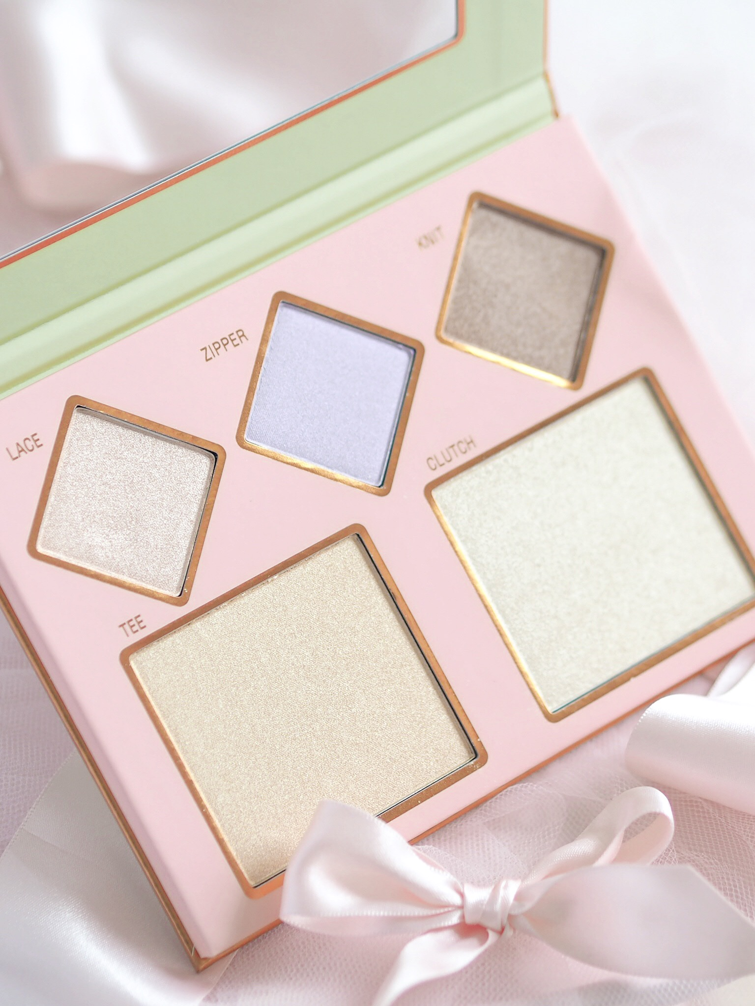 The Layers Highlighting Palette ~ Pixi Pretties Collection by Pixi Beauty