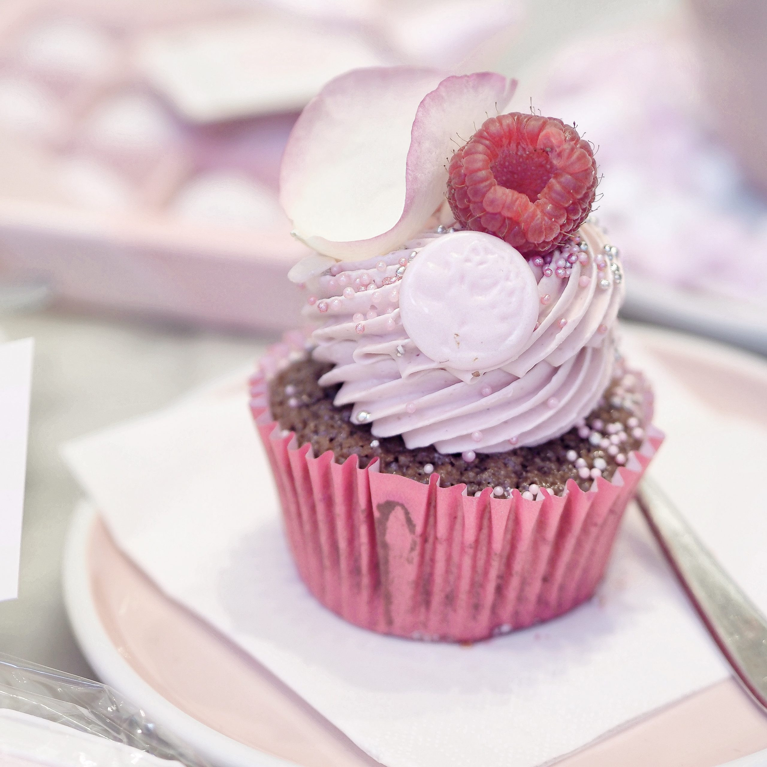 Sealed With A Kiss Cupcake | An Oh So Sweet Valentine's At Peggy Porschen