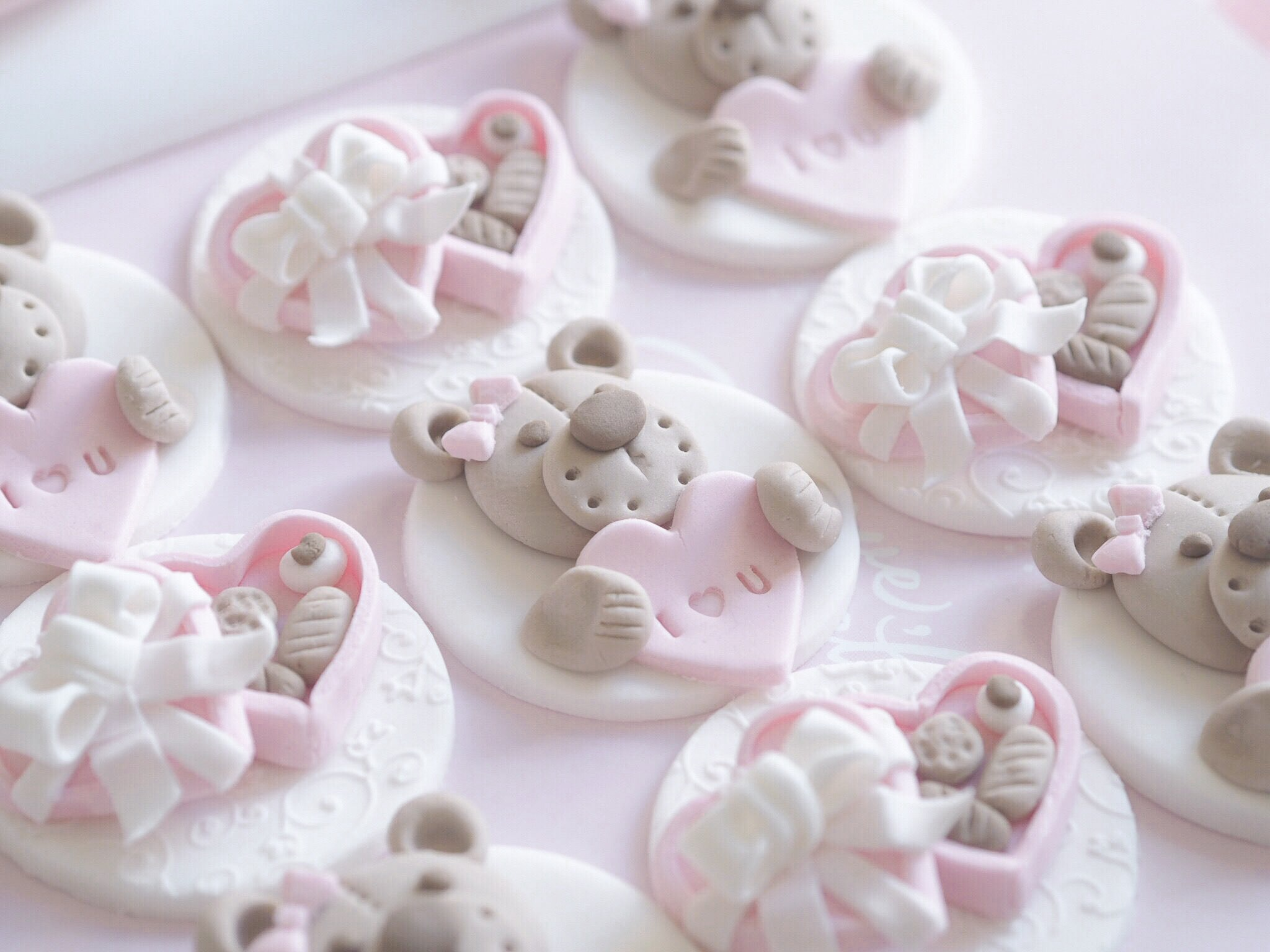 8 Sweet Ideas For Your Valentine's Baking ~ Teddy Bears & Chocolate Boxes