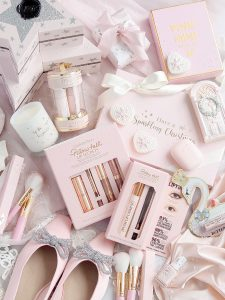 Pink & Girly Christmas Gift Guide