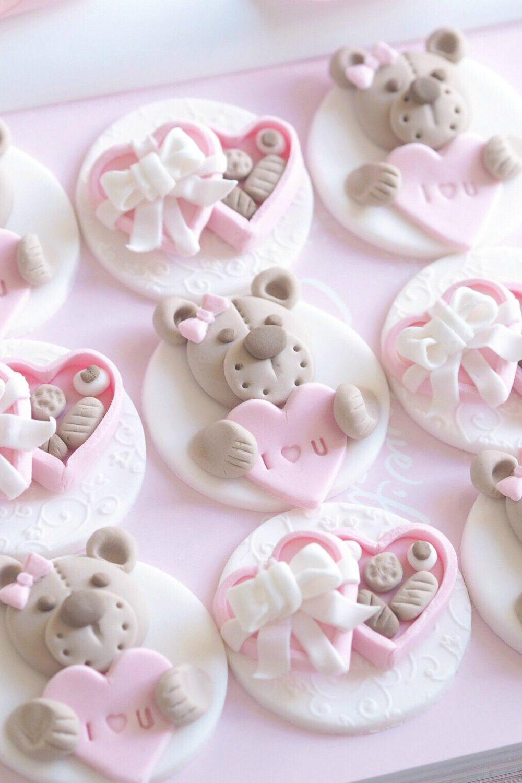 Valentine's Cupcake Tutorial: Teddy Bears & Mini Chocolate Boxes