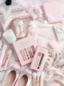 Pink & Girly Christmas Gift Guide